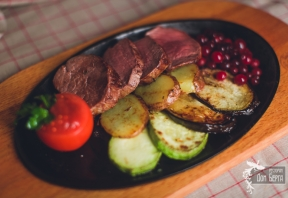 Филе говядины с овощами