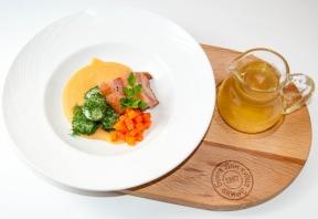 Гороховый крем-суп с копчёной грудкой